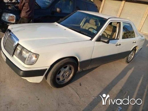 Mercedes-Benz in Deir el-Ghazal - مرسيدس مديلر87