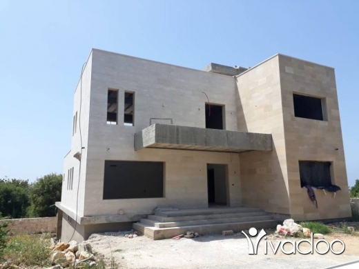 Apartments in Hamat - L06703 - Triplex Villa with 885 sqm Land for Sale in Hamat Batroun