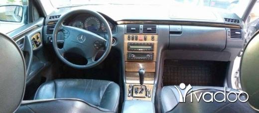 Mercedes-Benz in Tripoli - Mercedes ٩٩ لوك ٢٠٠١ /