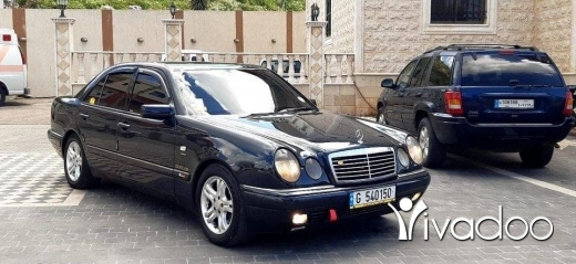 Mercedes-Benz in Choueifat - Marcedes Benz E320 for sale