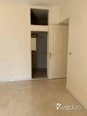 Apartments in Al Zarif - للإيجار شقة بدون فرش ، بيروت ، الظريف
