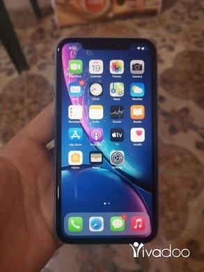 Phones, Mobile Phones & Telecoms in Akkar el-Atika - Iphone xr 64gb