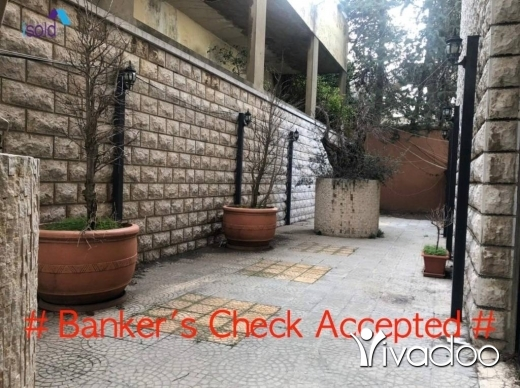 Apartments in Bikfaya - A 300 m2 apartment with a terrace for sale in Bikfaya