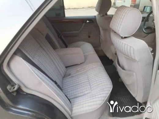 Mercedes-Benz in Akkar el-Atika - ٢٣٠ صندوق ٣٠٠
