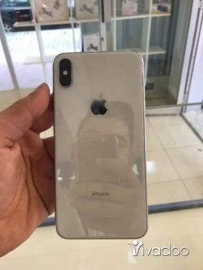 Phones, Mobile Phones & Telecoms in Tripoli - Iphone Xsmax 64gb