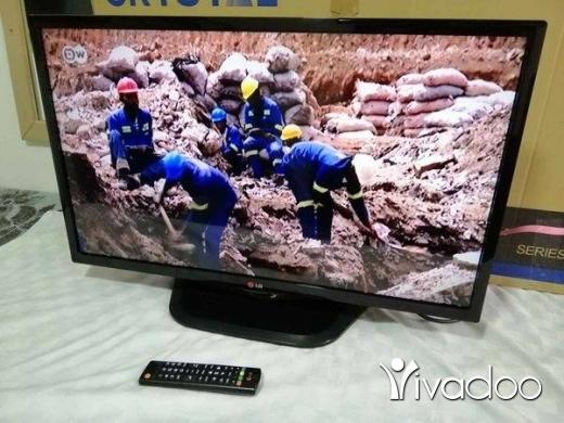"TV, DVD, Blu-Ray & Videos in Tripoli - LG 32"" ORGINAL"