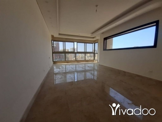 Apartments in Hamra - A 150 m2 apartment with an open sea and cirty view for sale in Spears - Hamra