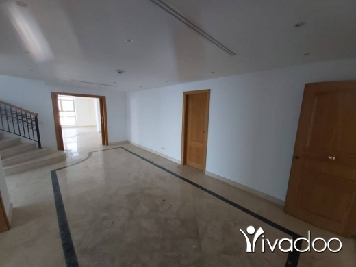 Apartments in Ain Mreisseh - A 550 m2  duplex apartment with a terrace and private  pool having for sale in Ain Mrayseh