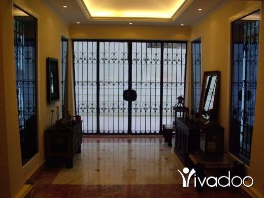 Villas in Beirut City - فيلا مفروشه للبيع