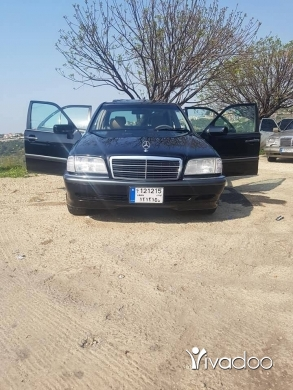 Mercedes-Benz in Bakhoun - Mercedes c200 (1995)