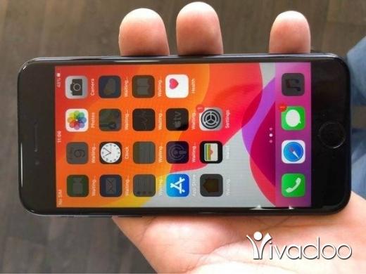 Phones, Mobile Phones & Telecoms in Tripoli - iphone 7 black
