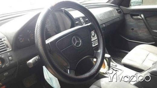 Mercedes-Benz in Tripoli - Mercedes  220 موتار