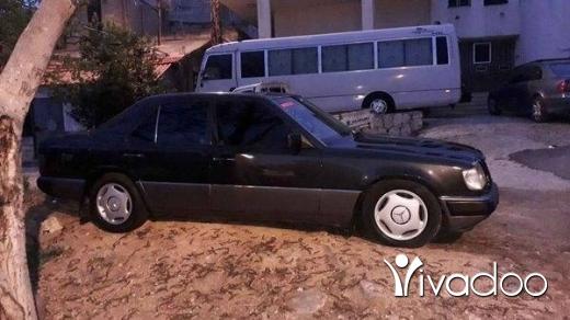 Mercedes-Benz in Akkar el-Atika - ٢٣٠موديل ٨٩