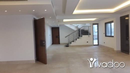 Apartments in Ras-Beyrouth - للبيع دوبلكس في عين مريسة