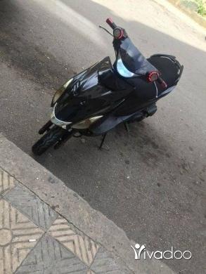 Motos et scooters dans Tripoli - v150 azzo