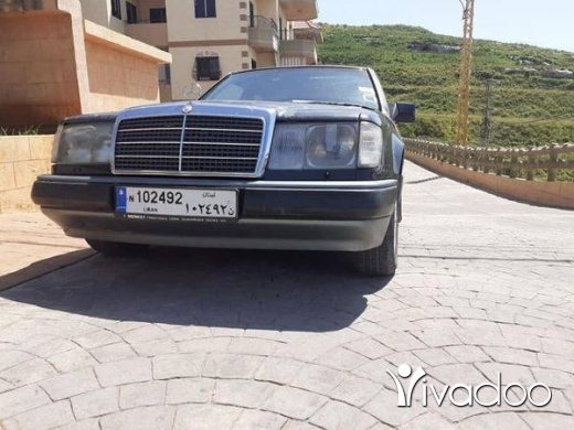 Mercedes-Benz in Tripoli - موديل  1990   300