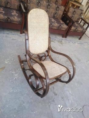 Home & Garden in Saida - كرسي هزاز خشب زان