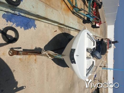 Sports, Leisure & Travel in Dbayeh - Boat Glossa 5 M 40 hp Yamaha 2004 2 strock wra2 sayd madfou3 mecanic 2021