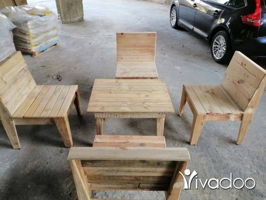 Home & Garden in Dekouaneh - اربع كراسي وطاولة
