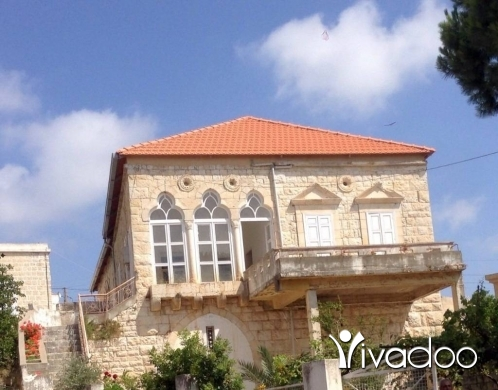 Villas in Joun - A 450 m2 duplex villa with a garden and terrace for sale in Joun / Shouf