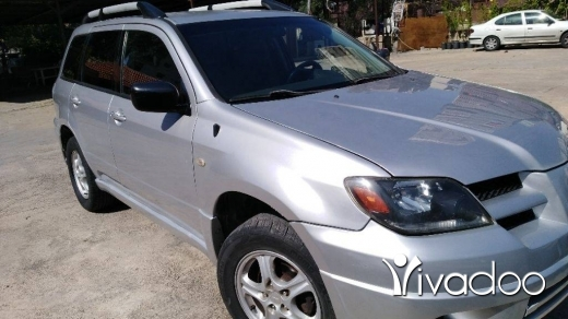 Mitsubishi in Awkar - Mitsubishi Outlander Full Option 2004
