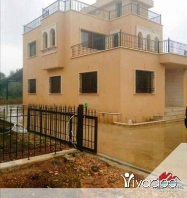 Villas in Tripoli - فيلا دوبلكس منطقة بشمزين الكورة