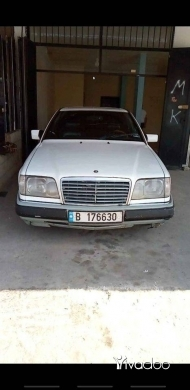 Mercedes-Benz in Tripoli - مرسيدس ٣٠٠ كوبيه ، موديل ١٩٩٢