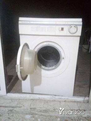 Appliances in Chouit - نشافه صناعه المانيه شغاله ١٠٠/١٠٠بسعر مغري ٦٥٠ الف من دون احراج