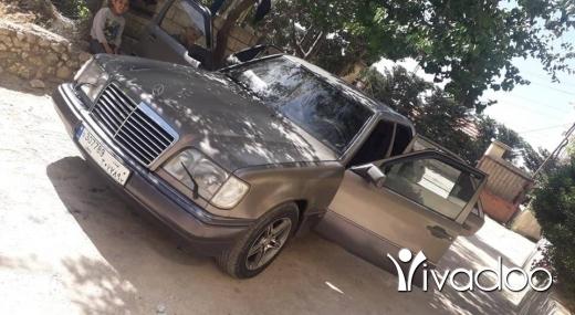 Mercedes-Benz in Akkar el-Atika - مرسدس ٢٣٠ صندوق ٣٠٠