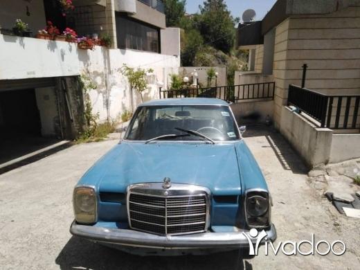 Mercedes-Benz in Beit Meri - Mercedes 200 1971 in good condition