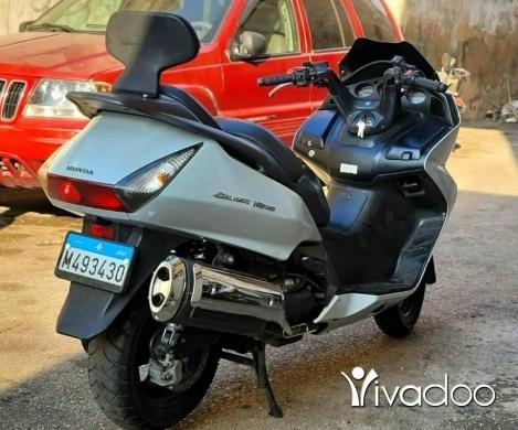 Motorbikes & Scooters in Sin el-Fil - Moto silver Wing