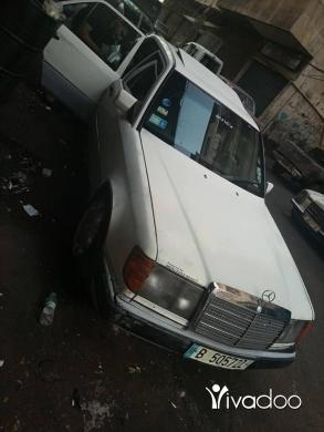 Mercedes-Benz in Tripoli - E 230 mercedes benz model 87