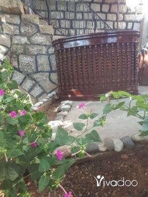 Home & Garden in Jdeideh - wood old bar