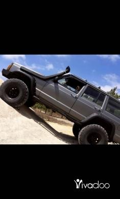 Jeep in Berj Hammoud - Cherokee off road
