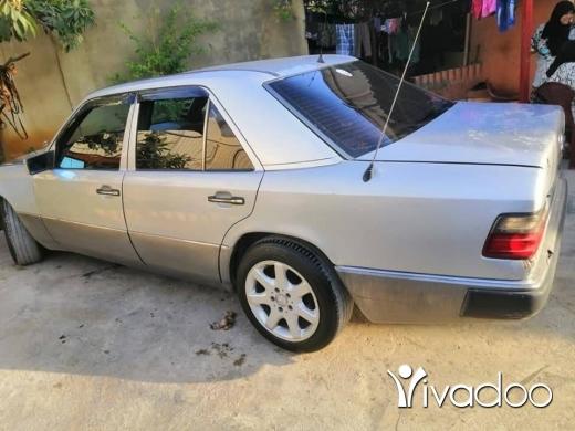 Mercedes-Benz in Akkar el-Atika - 300 صندوق 300 أنقاض