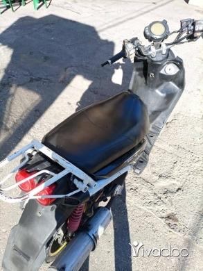 Motos et scooters dans Tripoli - moto