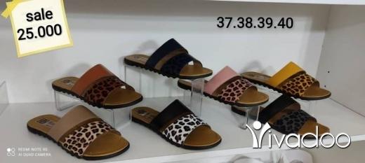 Vêtements, chaussures et accessoires dans Aley - مشاية نسائي