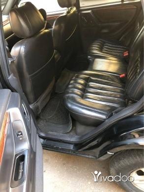 Jeep in Hadeth - cherokee mod 1999 limited black&black