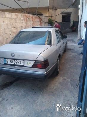 Mercedes-Benz in Tripoli - سيارة 300 اتوماتيك