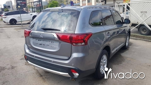 Mitsubishi in Jdeideh - Mitsubishi outlander 4wd model 2017