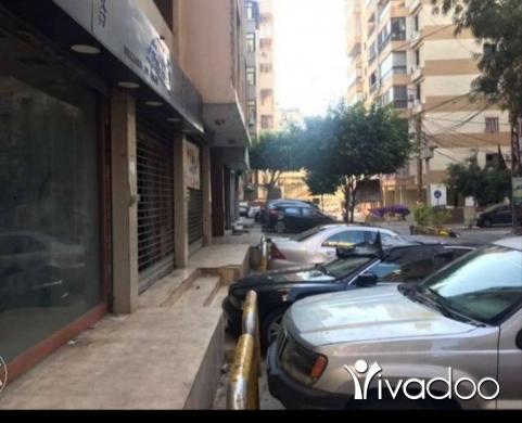 Shop in Al Dahye - محل للايجار 3 واجهات في حارة حريك