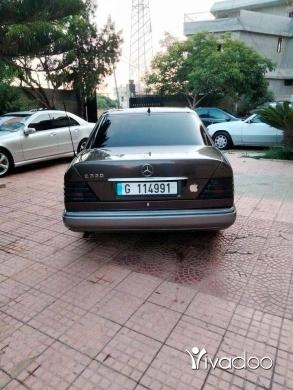 Mercedes-Benz in Halba - Mercedes  300مودل 92