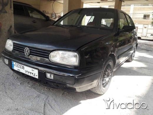 Volkswagen in Beirut City - غولف ٣ موديل ٩٣