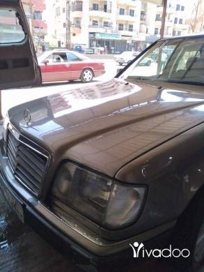 Mercedes-Benz in Tripoli - مرسيدس ٣٠٠ موديل ٨٨