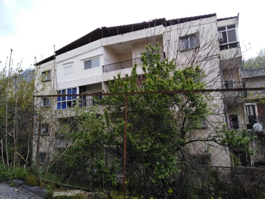 Whole building in Danniyeh - Hot Deal-Building for sale in Sir Dinniyeh