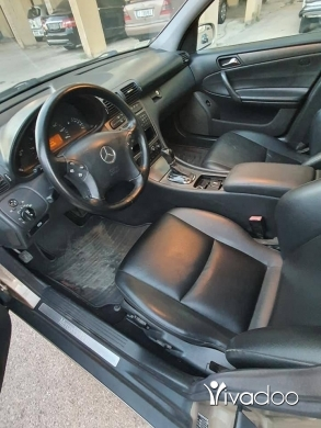 Mercedes-Benz in Tripoli - Mercedes C230 (2003)