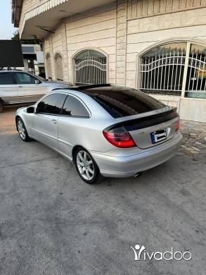 Mercedes-Benz in Tripoli - Mercedes 230
