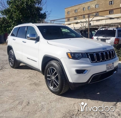 Jeep in Haoush ez Zaraane - Jeep grand cherokee limited v6 2017 Very clean fully loaded for more info 76/019980 17000$$$
