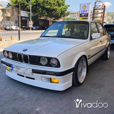 BMW in Bourj el Barajneh - سيارة bmw للبيع