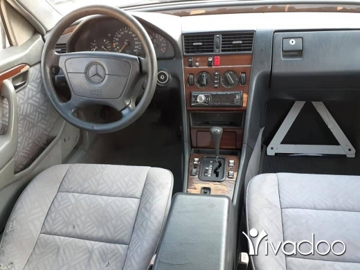 Mercedes-Benz in Zgharta - Mercedes C 180 94